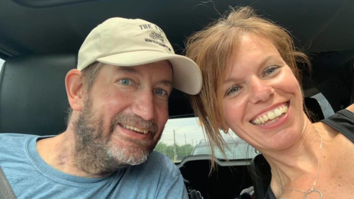 Sarah and Mike  VanNetten bidding farewell to Hamilton General on June 30, 2021. For 83 days, Mike was in the hospital with COVID-19.