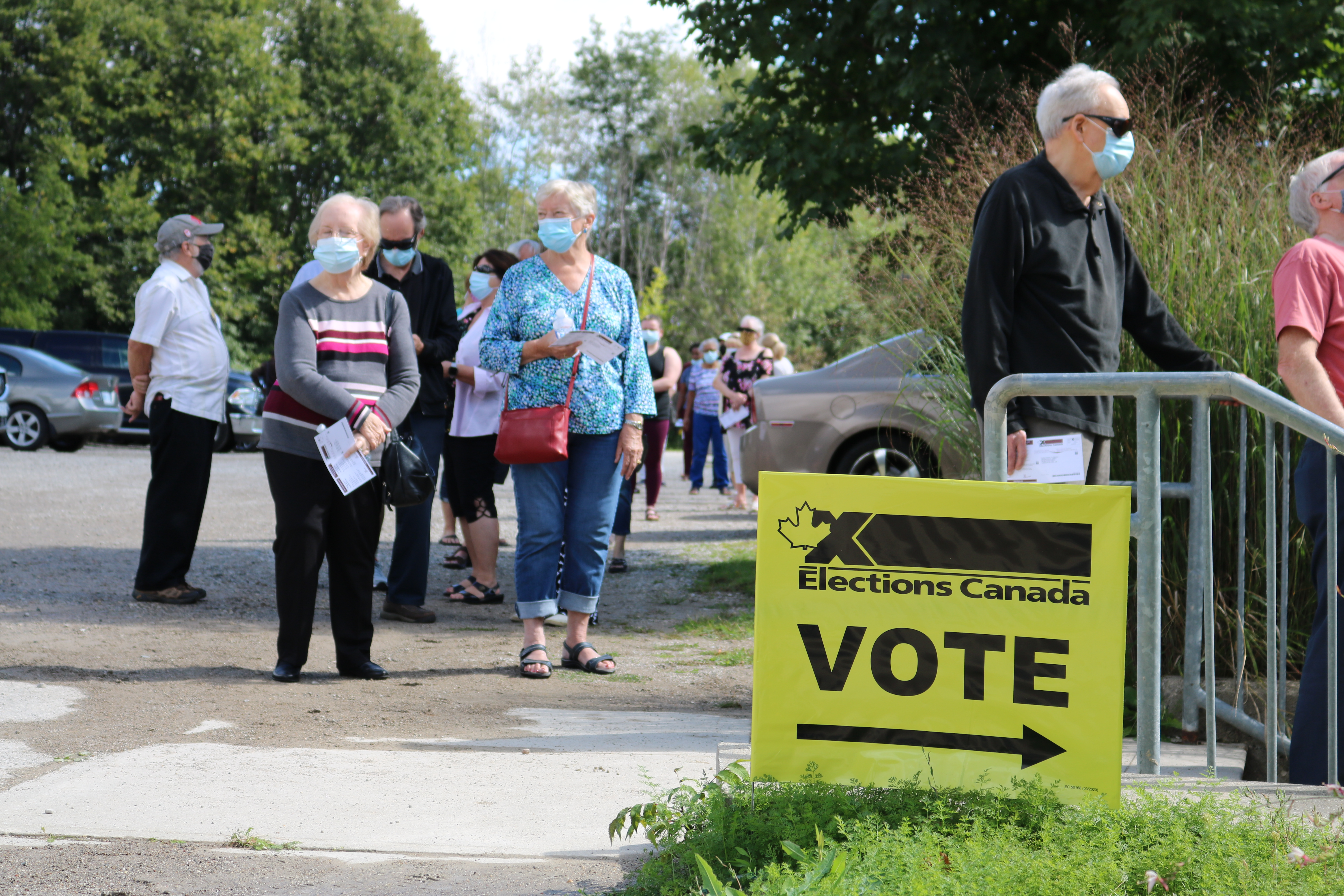 https://globalnews.ca/wp-content/uploads/2021/09/Londoners-lined-up-to-Vote-in-the-Federal-election-at-the-advanced-polling-station-at-Museum-of-Ontario-Archaelogy-at-1600-Attawandaron-Rd.jpg