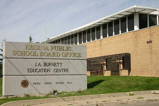Regina Public Schools will look at a policy during their Sept. 28 meeting that could require teachers, interns and other division staff to provide either proof of vaccination or a negative COVID-19 test.