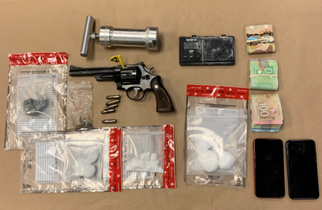 Kingston police seize guns, drugs in search of residence - image