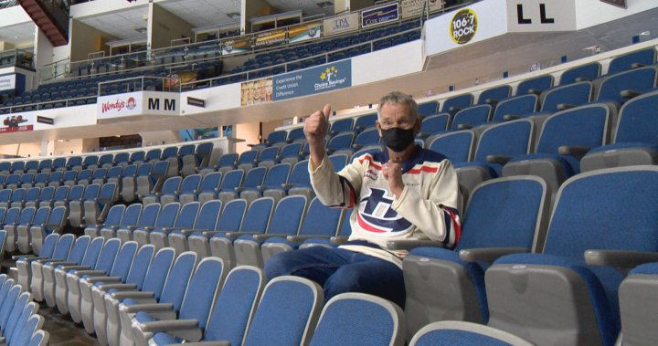 'It was completely heartwarming': A good old hockey game for Lethbridge Hurricanes fan