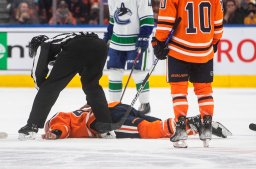 Continue reading: Edmonton Oilers Zack Kassian set to return after injury in fight