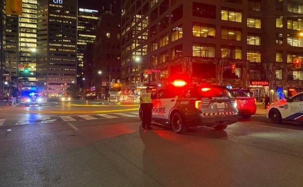 Pedestrian struck in downtown Toronto hit-and-run: police – Toronto