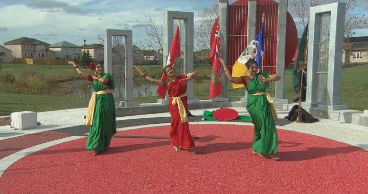 Plaza celebrating diverse languages opens at Winnipeg park | Globalnews.ca