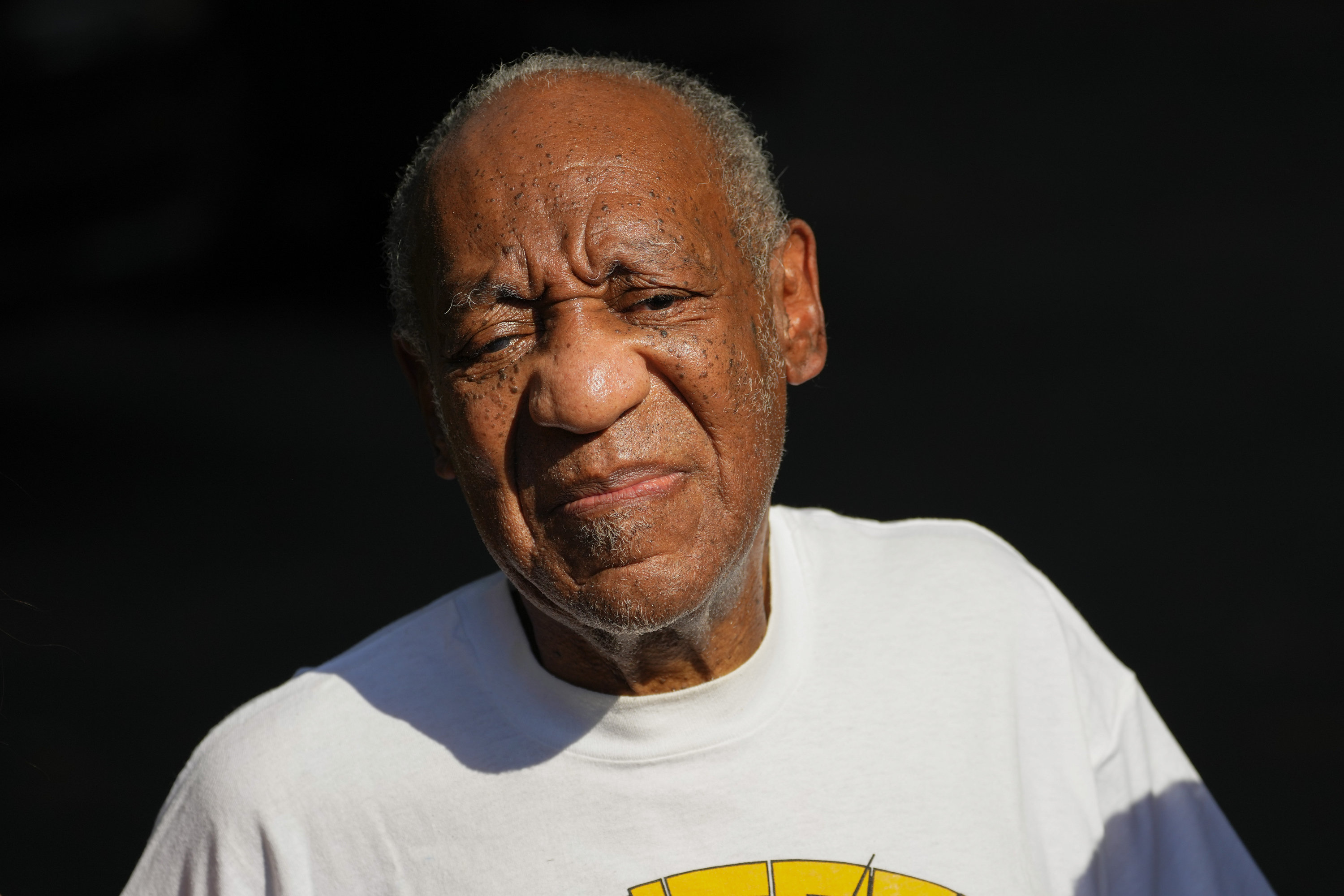 Bill Cosby sued by ex-'Cosby Show' actress Lili Bernard for alleged sexual assault